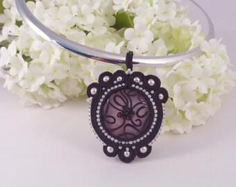 Soutache choker necklace. Black and pink pendant necklace. Soutache jewellery MollyG Designs Beaded pendant choker necklace. Black jewellery