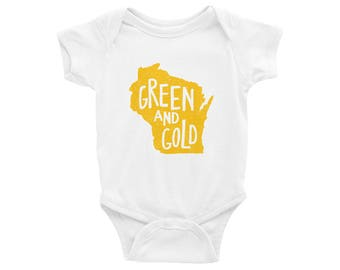 Green and Gold Bodysuit // Green Bay Baby Gift  // Green Bay Baby //  Green and Gold  // Aaron Rodgers // The Busy Bee