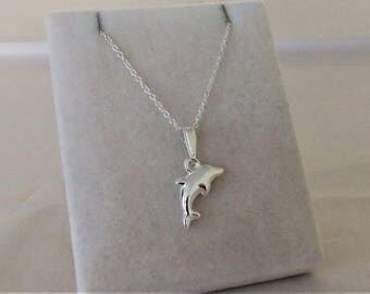Sterling Silver Dolphin Pendant Necklace.