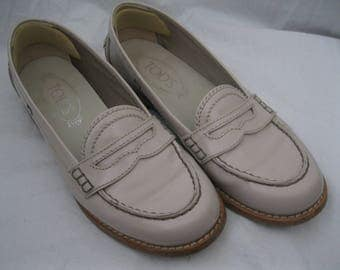 Beige Tod's Patent Leather Slip On Oxfords Size 35 1/2