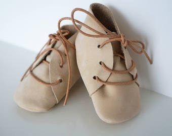 Rough leather lace up baby booties