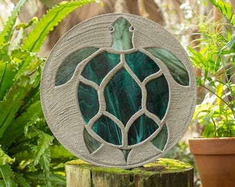 """Sea Turtle Stepping Stone, Large 18"""" Diameter Made with Concrete and Stained Glass, Perfect for Your  Patio or Backyard Garden Path #790"""