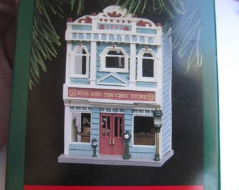 Hallmark Christmas Ornament - Five and Ten Cent Store - Nostalgic Houses and Shops - Christmas Tree decoration - Display