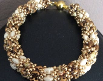 Elegant bracelet, superduo pearls and seed beads, in various shades, beige, gold color, Brown