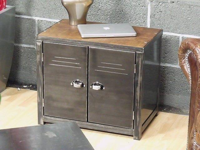 petit meuble de rangement bois et m tal style industriel. Black Bedroom Furniture Sets. Home Design Ideas