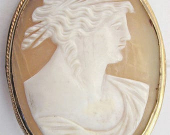Cameo brooch Antique Greek Lady in profile 32.55mm by 43.1mm 6.4g