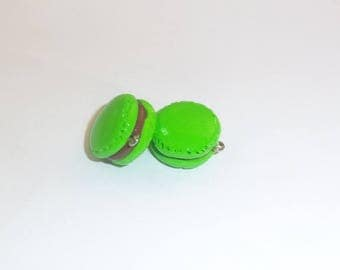 2 charms gourmet macaroons pistachio chocolate color.