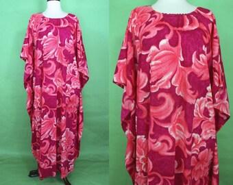 Hawaiian Caftan     60's Magenta Pink Abstract Leaf Print Caftan