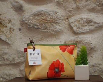 Vanity case in oilcloth poppies