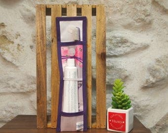 Case in oilcloth, lavender, toothbrush and toothpaste
