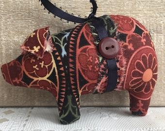 holiday decor - pig ornaments - pig gift - Christmas ornaments handmade - hanging ornaments - fabric pigs - novelty ornaments - farm decor
