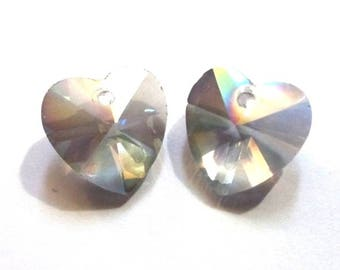 Pendants 2 X beads faceted, 14mm, slightly iridescent smoke colored glass heart