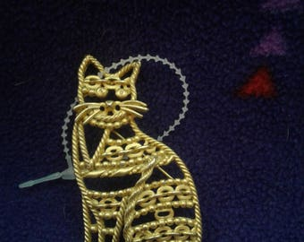 Vintage Gold Tone Cat Pin/ Marked