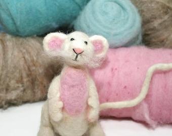 Mouse Felting Kit/Greedy Mouse Needle felting kit/Needle felting craft kit/Needle felted mouse