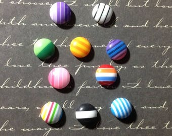 20 round applique with multicolored stripes