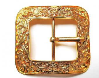 SQUARE BAROQUE GOLD CARVED 75/75 MM LOOP