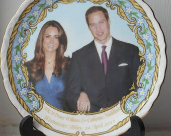 stunning collectable porcelain decorative royal family collectors plate