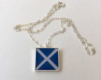 "Nautical Flag Alphabet Pendant ""M"""