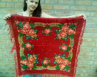 Free shippng! Vintage red Woolen shawl in folk \ boho style Ukranian Russian shawl.Pink Roses Pattern
