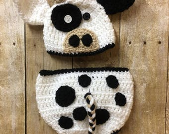 Newborn cow photo prop, gender neutral cow outfit, crochet cow outfit, cow photo prop, newborn cow hat, cow outfit, baby cow clothing