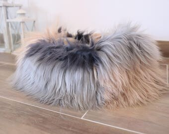 Large Sheepskin Cat bed | Sheepskin Dog bed | Cat Pouf | Dog Pouf | Sheepskin Cat Mat | Dog Mat | Gray Pink Pet Bed | Fur Pet Bed