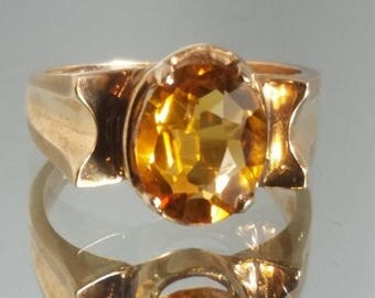 ON SALE Vintage - ***Never Worn*** 10K Solid Yellow Gold Retro Vintage Yellow / Orange Topaz Ring