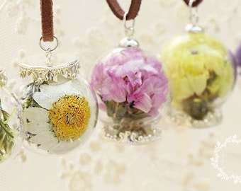 Glass Terrarium Locket Nerdy Necklace,Flower Necklace, Boutique Real Dried Flower Pendant Jewelry For Women,Gift for her