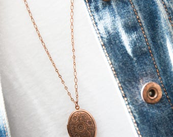 Engraved Copper Locket Necklace, Engraved Locket, Copper Necklace, Custom Locket, Keepsake Locket, Rustic Locket, Metalwork, Classic Style