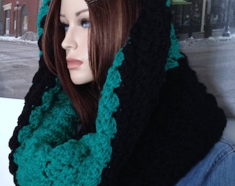 Oversized Hoodie Cowl Scarf Emerald Green Black Scarf Thick Stretchy Shawlette Extra Wide Infinity Scarf for Her Versatile Cowl READY 2 SHIP