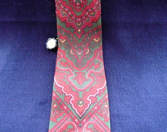 1960's Vintage Green and Red Patterned Tie by Favourite