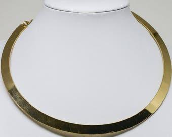 Beautiful gold tone choker necklace