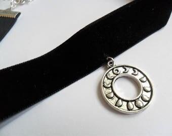 Moon Phases Black Velvet Choker - Gothic - Moon Phases Ring on Black Velvet Ribbon - Pagan - Samhain - Witch