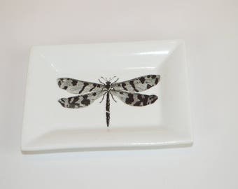 """Rectangle 4"""" dish (shown with image # a35 - dragonfly)"""