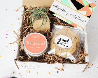 Will You Be My Maid Of Honor Gift Box | Will You Be My Bridesmaid Gift | Bridal Party Gift | Bridesmaid Proposal | Bridesmaid Airplant Gift