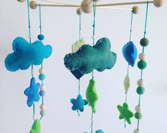 Baby mobile in felt to customize colors and shapes of your choice