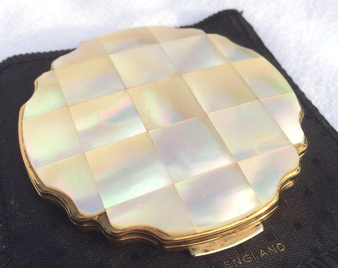 Stratton Powder Compact, Mother of Pearl Squares on Lid, 1950's Self Opening Inner Lid, Gold Star Back Original Pouch, Excellent Condition
