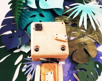 Reclaimed wood - all wood robot