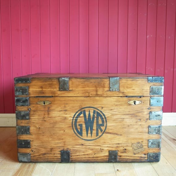 VINTAGE WOODEN CHEST Coffee Table Rustic Industrial Storage Trunk Reclaimed Gwr Bound Box