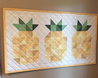 PDF Quilt Pattern, A Pineapple Welcome Quilt Pattern, Beginner Quilt Pattern, Pineapple Quilt Pattern