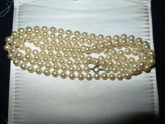 """Beautiful Vintage 1950s   knotted cream 7mm glass pearl flapper necklace 52"""""""