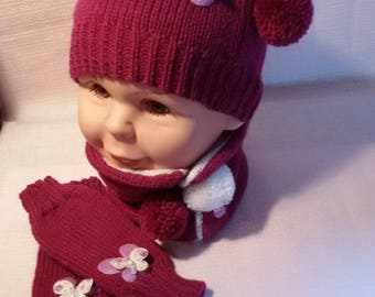 Hat, snood and mittens knitted fuschia color size 18/24 months