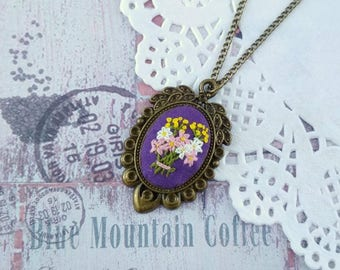 Present for mom gift for teacher Fall jewelry Flower bouquet necklace Hand Embroidery jewelry gift for mother-in-law Embroidered pendant