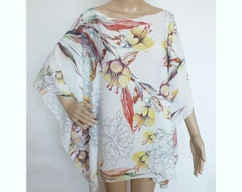 FLORAL SUMMER PONCHO Caftan Blouse Light Shirt for a woman For every occasion One size Oversize xl Summer flower design