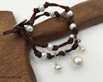 Knotted Pearl Leather Bracelet/Pearl Charm Bracelet/Fresh Water Pearls/Boho Bracelet/Leather Cord Knotted/Boho Chic/Beach Style Bracelet