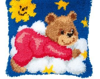 Vervaco Latch Hook Kit Teddy on a Cloud Cushion front (bear) PN-0014185