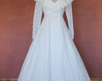 Vintage 70s Wedding Dress Gown Belle Victorian Edwardian Ball Theater Train Lace White M