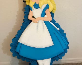 Alice Pinata. Princess