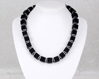 Elegant Black and Silver Onyx Cube Necklace – Geometric Crystal Necklace, Gemstone Necklace