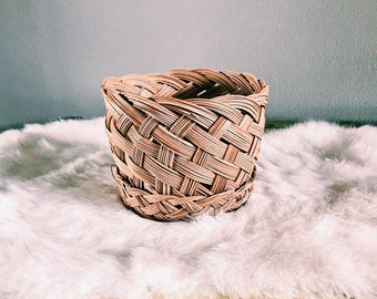 Small Vintage Woven Rattan Plant Basket / Boho Plant Holder