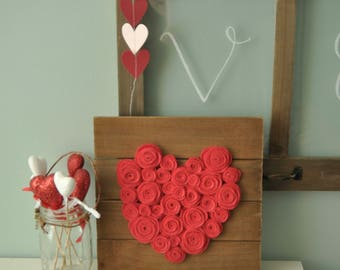 Felt Roses Valentine's Day Heart Rustic Sign, Felt Roses, Valentine's Day Sign, Heart Sign, Rustic Valentine's Day Decor